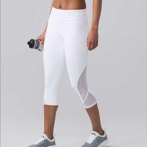 Lululemon Train and Twist crop leggings